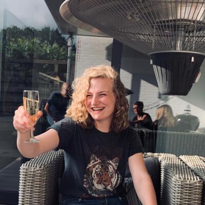 Isa zoekt een Kamer / Huurwoning / Studio / Appartement in Leiden