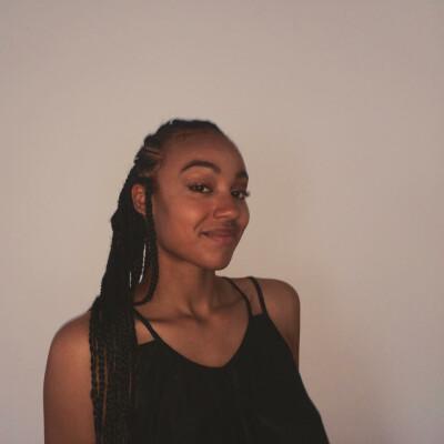 Naomi zoekt een Kamer / Studio in Leiden